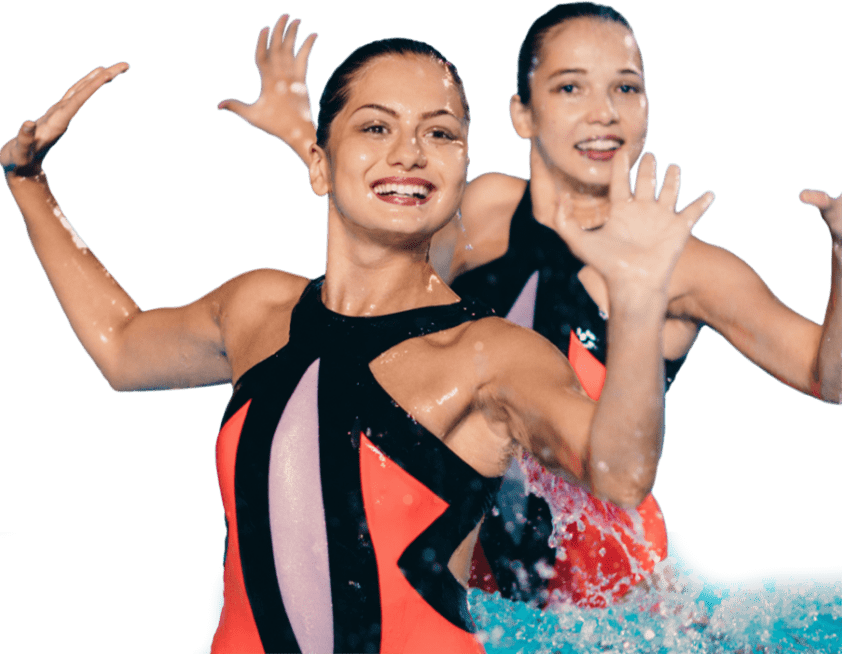 synchronized-swimming-duet-on-performing